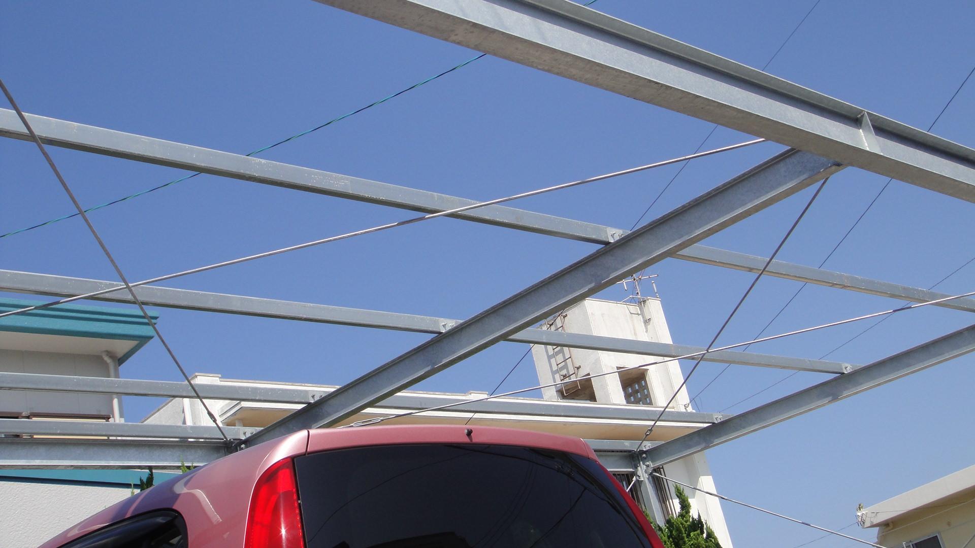 ソーラー屋根駐車場