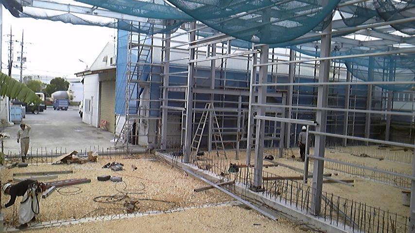 アサヒプリテック 工場の開口部胴縁